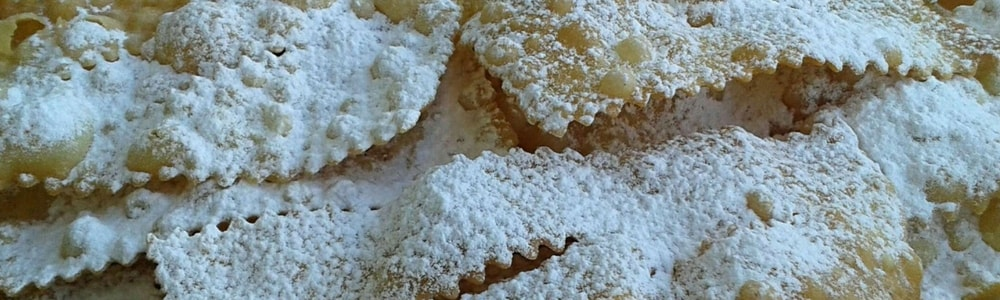 chiacchiere di carnevale cenci bugie crostoli dolce sweet chiacchiere of carnival